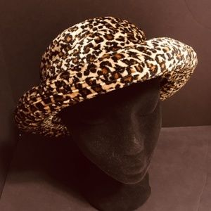 Women's Vintage Round Animal Print Hat